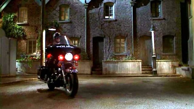 Electra Glide in Babe: Pig in the City