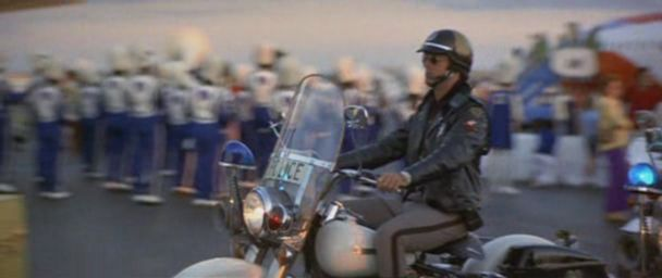 Electra Glide in Black Sunday