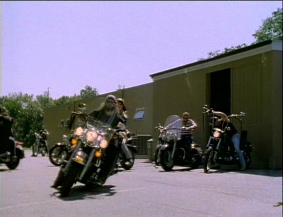 Electra Glide in Psycho Sisters