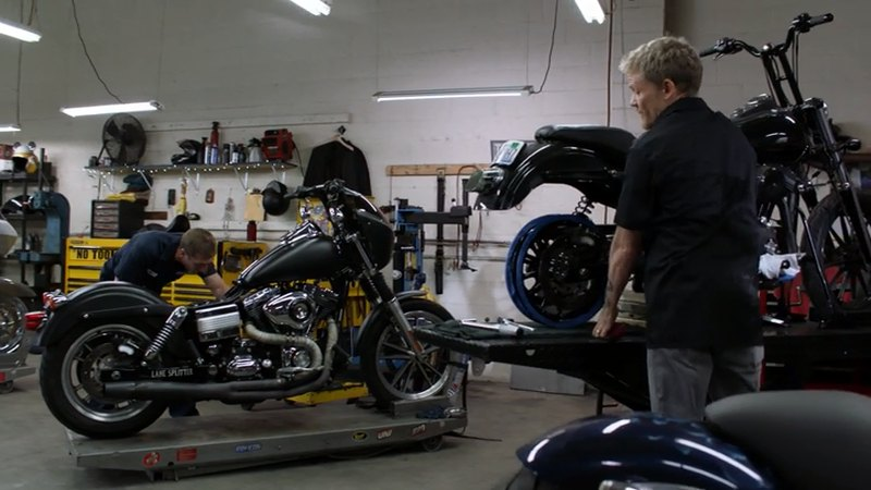 Dyna Street Bob in Shameless