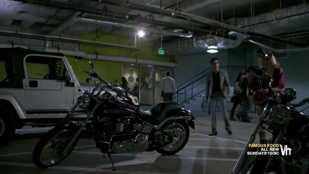 Softail Deuce in Single Ladies