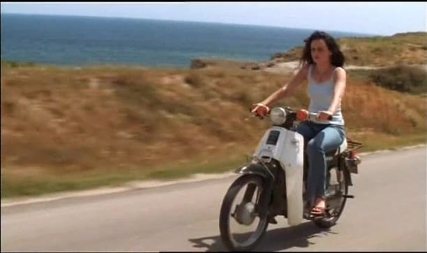 Super Cub110 in The Sisterhood of the Traveling Pants